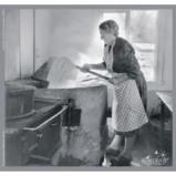 """Afbeelding van Adhome Reminiscentiepuzzel in hout 23 x 24 cm, """"Jongen helpt vader"""" 15 s"""