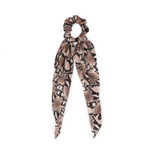Afbeelding van Bruine snakeskin scrunchie met strik