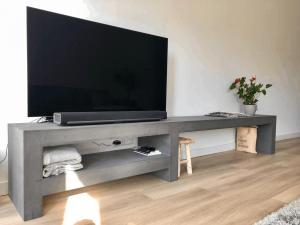 Afbeelding van Betonlook TV meubel Denio