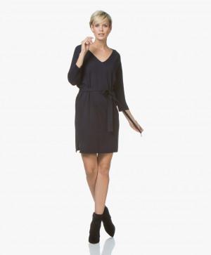 Abbildung von Josephine & Co Dress Navy Jetje Knitted V neck