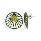 Imagine dinHandmade Black & Gold Plated Silver Flower Earrings