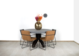 Afbeelding vanRonde betonlook tafel Upton met robuuste stalen poot