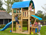 Imagine dinChildrens Wooden Climbing Frame Farm Mini Market