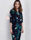 Abbildung vonLaDress Dress Samantha Maxi in String Leaves